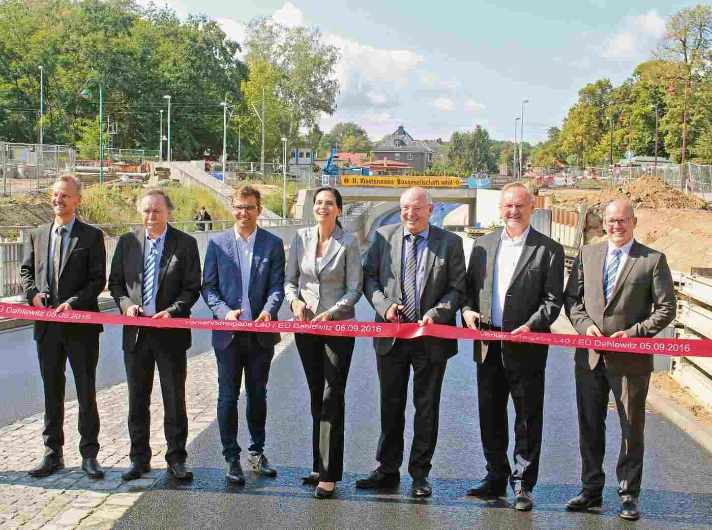Eisenbahnüberführung in Dahlewitz freigegeben – Stadt ...