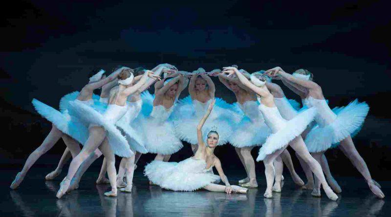 """Ballettklassiker """"Schwanensee"""" in Ludwigsfelde aufgeführt"""