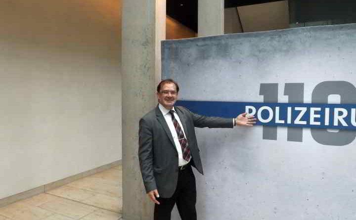 Jörg Vogelsänger (SPD), Brandenburger Jörg Vogelsänger (SPD), Brandenburger Landwirtschaftsminister und Polizeiruf 110 Logo