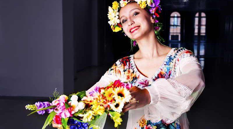 """Der Seniorentreff in Teltow ist ein Treffpunkt für ältere Menschen. Einmal im Monat findet die Veranstaltung """"Internationale Volkstänze"""" statt."""