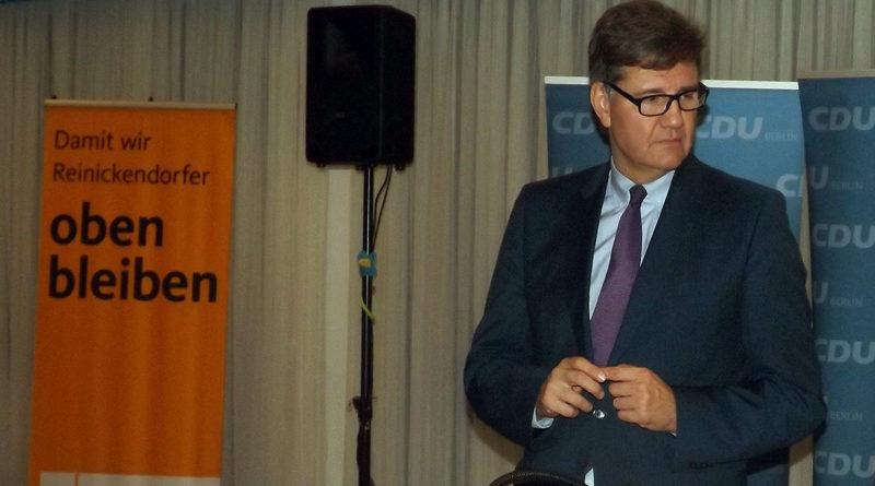 """Zu den 53. Tegeler Gesprächen am 17. Mai erwartet Initiator Dirk Steffel den DRK-Präsidenten Seiters mit seiner """"Biografie """"Vertrauens Verhältnisse""""."""