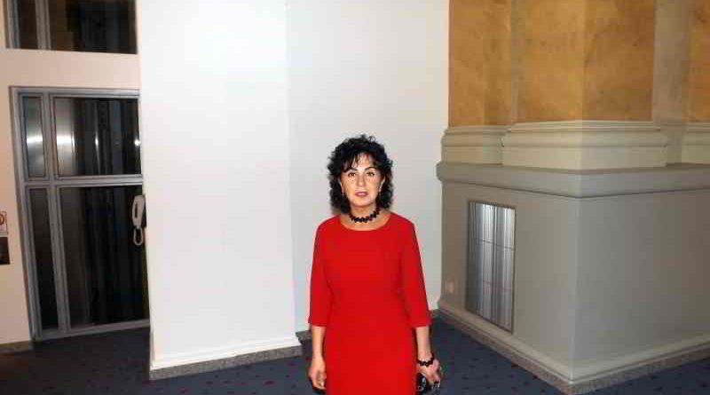 Auch Emine Demirbüken-Wegner beteiligt sich an der Serie zum Thema Gewalt und Hass gegen Politiker und erzählt über rassistische Mails ihr gegenüber.
