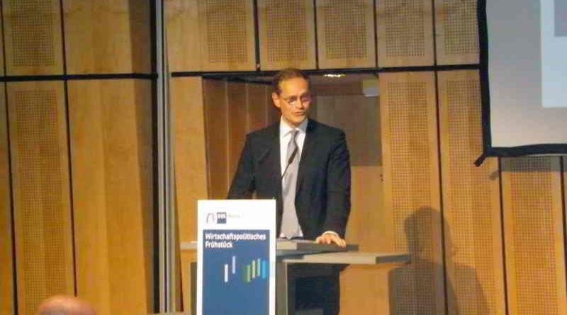 Der Besuch des regierenden Berliner Bürgermeisters Michael Müller in der IHK zum Wirtschaftspolitischen Frühstück am 26. Juni wird beschrieben.