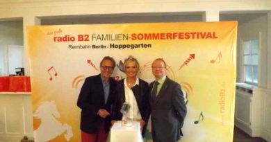Am 15. Juli findet der 2. Schlagerhammer in Hoppegarten statt. Zu Gast sind u.a. Costa Cordalis, voXXclub, Ute Freudenberg, DJ Ötzi und Münchener Freiheit.