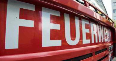 Der Brand auf einem Acker in Stahnsdorf am vergangenen Mittwoch hat es gezeigt: Bei der höchsten Waldbrandstufe braucht es nur Sekunden, um ein Feuer zu entwachen. Die Feuerwehr mahnt zur Vorsicht.