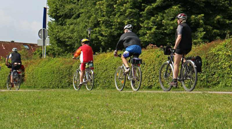 """Mit einer Radtour will der Verein """"Teltow ohne Grenzen"""" am 4. Juli die Strecke von 431 Kilometer in die Partnerstadt Ahlen überwinden und pünktlch zum dortigen Stadtfest ankommen. Start ist um 08:00 Uhr auf dem Marktplatz. Teltows Bürgermeister Thomas Schmidt hat bereits seine Teilnahme zugesagt."""