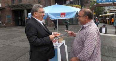 Der Stadtteiltag von Parlamentspräsident Ralf Wieland (SPD) wird beschrieben.