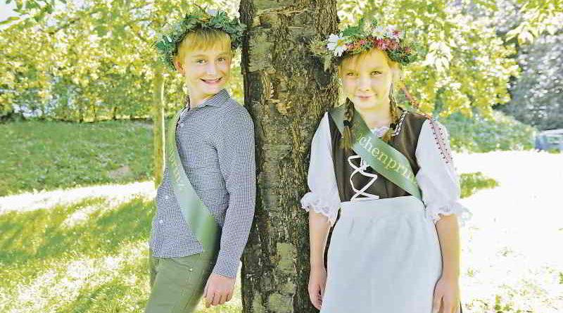 Aurelia Wende und Jonas Töller aus Stahnsdorf sind das neue Rübchenpaar. Sie werden die berühmte Teltower Spezialität in der Saison 2017 repräsentieren.