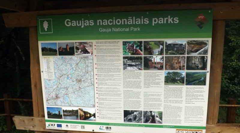 Das Urlaubsziel Lettland, besonders der Nationalpark Gauja, wird beschrieben.