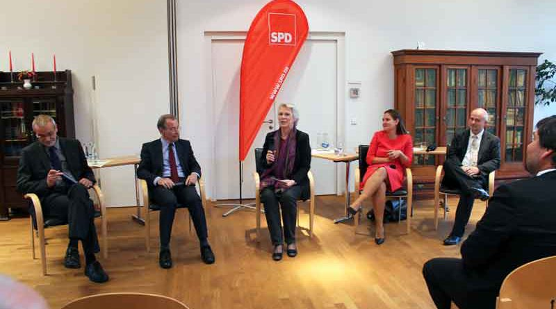Zu einer Gesprächsrunde mit dem ehemaligen SPD-Parteivorsitzenden Franz Müntefering hatte am 6. September der Ortsverein der SPD Teltow geladen.