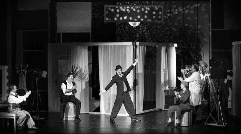 Ein gewisser Charles Spencer Chaplin ist seit dem 14. Oktober mit GZSZ-Star Wolfgang Bahro als Theaterstück im Schlosspark Theater Berlin zu sehen.