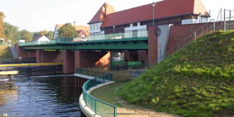 Mittwochstreff: Brücken von Kleinmachnow @ Akademie 2. Lebenshälfte