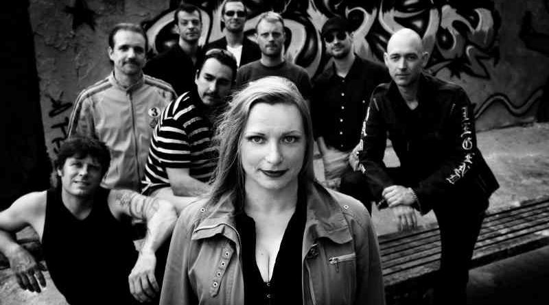 Die Berliner Brass-Band beat 'n blow hat für das Konzert im KultRaum Kleinmachnow am 3. Dezember das spezielle Programm Winterabend! vorbereitet.
