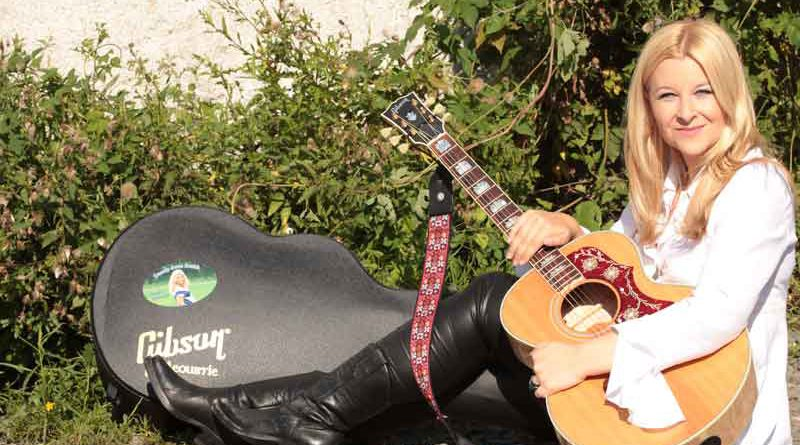 Freiheit, Wildheit, Individualität vs. Romantik, Statement und Tiefgang - das neue Album von Countrysängerin Danny June Smith ist da: Phoenix.
