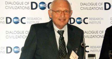 """Am 30. Januar lud das Forschungsinstitut """"Dialog der Zivilisationen"""" (DOC) zum Neujahrsempfang ein. Festredner war Günter Verheugen, der Europa zu seinem Thema machte."""