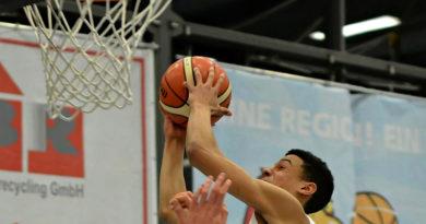Das Basketball-Team des RSV Eintracht hat am vergangenen Sonntag in der 2. Bundesliga ProB einen wichtigen Sieg erspielt. Das Team von Trainer Denis Toroman gewann deutlich mit 93:73 gegen die ETB Wohnbau Baskets aus Essen und ist dem Klassenerhalt damit ein ganzes Stück näher.