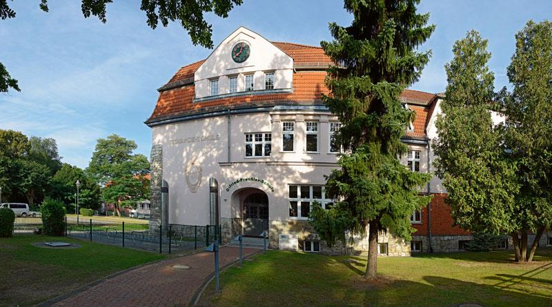Blankenfelde-Mahlow, Großbeeren, Rangsdorf und Ludwigsfelde wollten eine gemeinsame gymnasiale Oberstufe errichten - jetzt aber gibt es in Ludwigsfelde die Überlegungen, eine neue Gesamtschule mit gymnasialer Oberstufe zu bauen