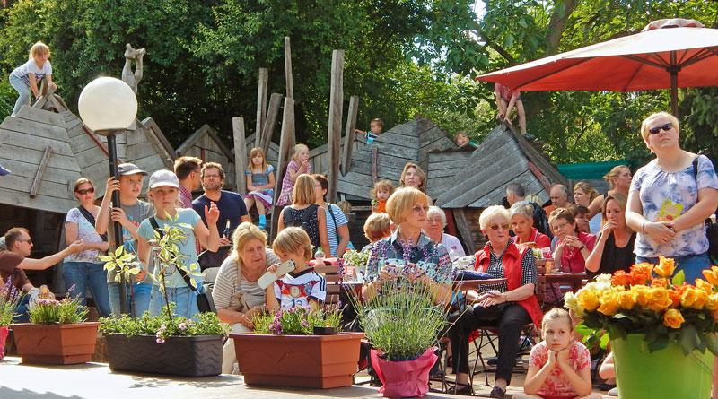 """Als das Philantow 2006 als Eltern-Kind-Zentrum in der Kita """"Rappelkiste"""" gegründet wurde, war nicht zu erahnen, dass es zu einem der wichtigsten sozialen Zentren der Stadt Teltow werden würde. Beim Philantow-Fest bietet sich die Gelegenheit, mal ganz unverbindlich hineinzuschnuppern."""