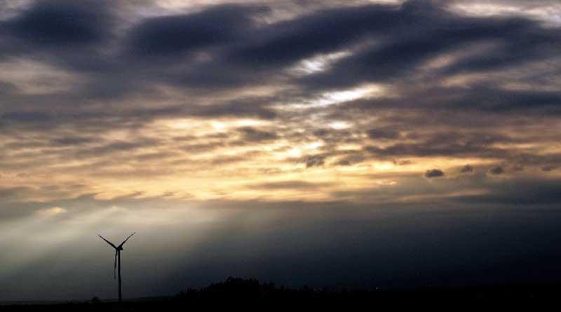 Wer gerne Sonnenaufgänge oder Sonnenuntergänge fotografiert, kann in den nächsten Tagen um einige Motiv reicher werden. Zwischen dem 22. und 24. Juni, wenn in den Mittsommernächten die Tage am längsten und die Nächte am kürzesten sind, wird der Gedenkturm in Großbeeren für sonnenhungrige Hobbyfotografen geöffnet.