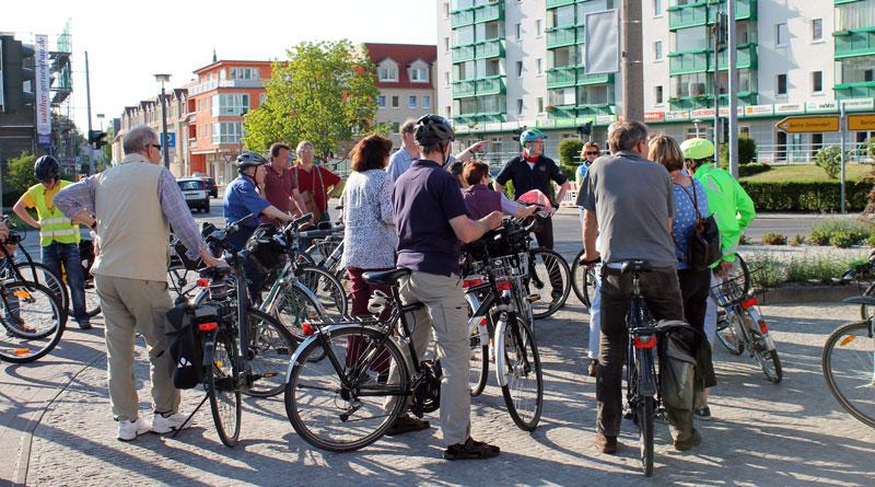 Am 18. Juni bietet sich die Möglichkeit, Kritik oder Lob gleich an höchster Stelle anzubringen. Denn der ADFC veranstaltet wieder eine Radtour mit den Bürgermeistern der TKS-Region zum Thema Radinfrastruktur in Teltow und Stahnsdorf.