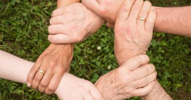 Die Akademie 2. Lebenshälfte ist der Landesarbeitsgemeinschaft der Freiwilligenagenturen (LAGFA) beigetreten, einem Netzwerk, das sich für bessere Rahmenbedingungen im Ehrenamt einsetzt. Zusammen mit den Freiwilligenagenturen in Teltow-Kleinmachnow-Stahnsdorf und in Ahrensfelde im Nordosten von Berlin ist das Netzwerk nun auf 20 Mitglieder angewachsen.