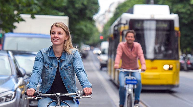 Abonnenten von Deutschlands größtem Nahverkehrsunternehmen stehen seit dieser Woche zusätzlich zu den Bahnen und Bussen die Fahrräder von Deezer nextbike jeweils für die ersten 20 Minuten kostenlos zur Verfügung. Ein kleiner Schritt auf dem Weg zu einem grüneren Berlin.