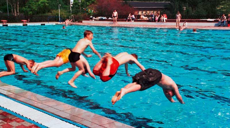 Beachvolleyball, Freibad, Floßbau: Buntes Ferienprogramm in TKS
