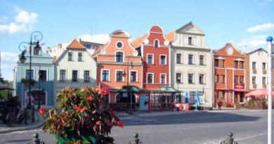 Auch Teltows polnische Partnerstadt hat eine wunderschöne Altstadt und ist gar nicht weit entfernt. Der Verein Teltow ohne Grenzen veranstaltet am 8. September eine Tagesfahrt nach Zagan. An diesem Tag findet auch der bekannte Michaelisjahrmarkt statt.