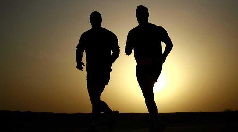 Jeden Dienstag und Donnerstag treffen sich Joggingfreunde zwischen 19 und 20:30 zum Lauftreff auf dem RSV-Sportplatz in der Zille-Straße in Stahnsdorf.
