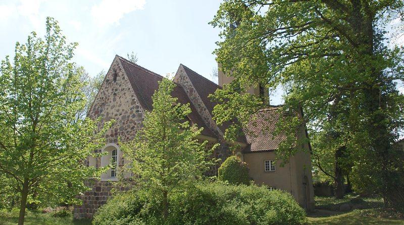 Tag des offenen Denkmals: Ruhlsdorf öffnet seine Dorfkirche mit Imbiss und Livemusik