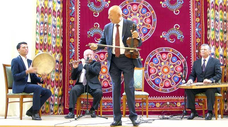 Am 12. September gab es in der Botschaft Usbekistans viel zu feiern.