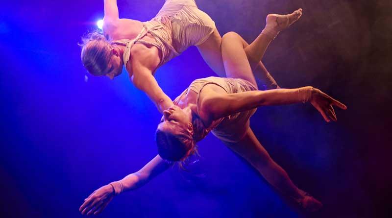 """Bis zum 24. Februar 2019 präsentiert der Wintergarten in Berlin seine neue Show """"Staunen - Circus of Stars"""". Mit ihrer einzigartigen Zusammenstellung der besten internationalen Varietékünstler sorgt sie für verblüffende und atemberaubende, aber auch skurrile und komische Momente."""