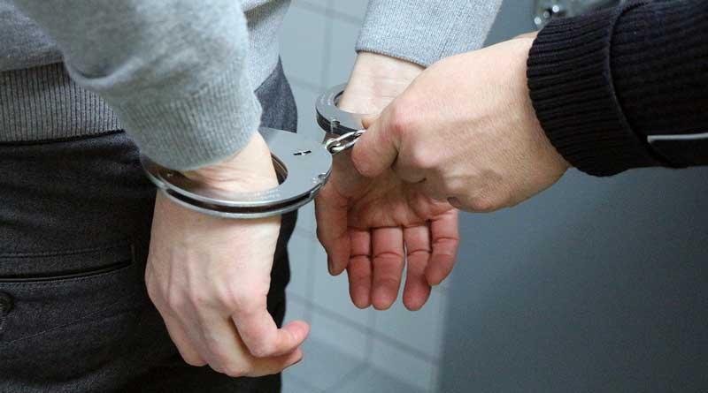 In Potsdam waren Ende September Trickdiebe vier Mal erfolgreich, heute Morgen wurden zwei Trickdiebe in Kleinmachnow festgenommen, als sie es dort mit der gleichen Masche versuchten. Möglicherweise sind es die selben Täter.