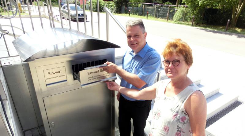 Völlig unabhängig von Tag und Uhrzeit können die gut 1000 Bibliotheksnutzer in der Gemeinde Stahnsdorf ab sofort ihre entliehenen Medien zurückgeben