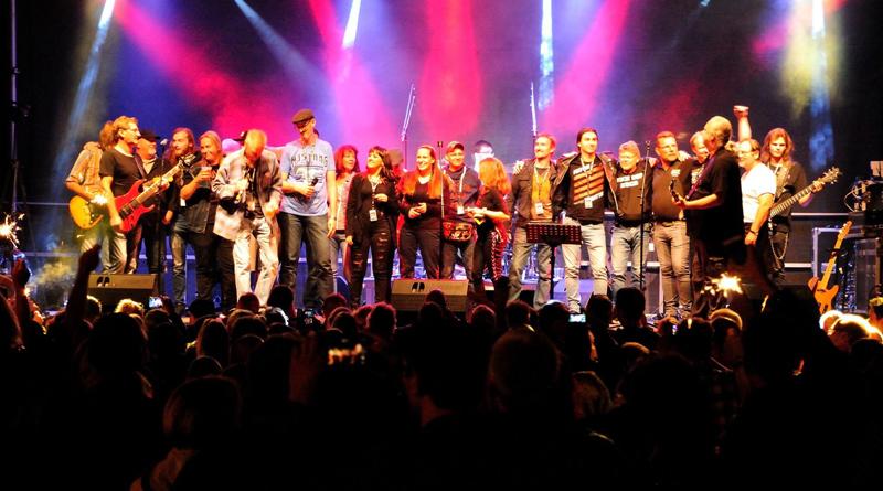 Das 7. Benefizfestival Rock am Kanal bringt am 31. August sieben Bands auf die Bühne, davon zwei aus den Niederlanden. Und wie immer kommt der Erlös Kindern und Jugendlichen aus der Region zu Gute. Die gesammelten Spenden werden weitergeleitet für den guten Zweck.