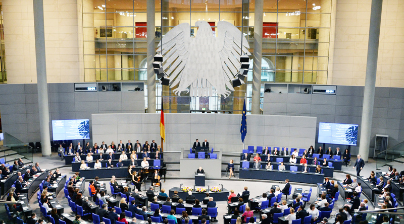Am 8. September von 9 bis 19 Uhr können Besucher beim 15. Tag der offenen Tür im Bundestag einen Blick hinter die Kulissen der Politik werfen und mit Abgeordneten direkt ins Gespräch kommen.