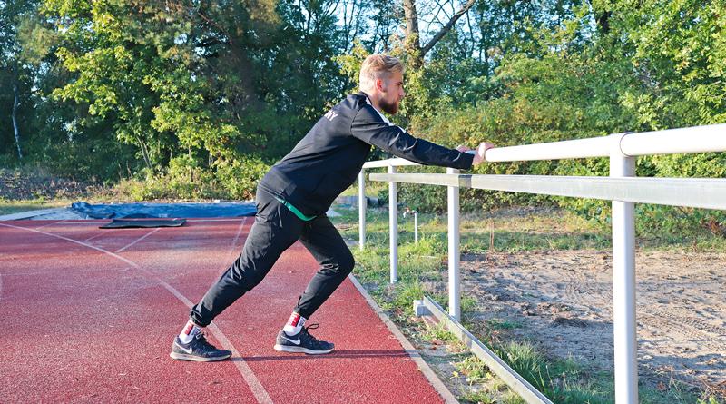 Vor drei Jahren tauschte Felix Krüsemann die Fußballtöppen endgültig gegen Spikes. Im November startet der 18-Jährige des RSV Eintracht 1949 nun für Deutschland bei den Weltmeisterschaften der Paraathleten über 1500 Meter in Dubai. Und will ganz nebenbei die Norm für die Paralympics in Tokio laufen.