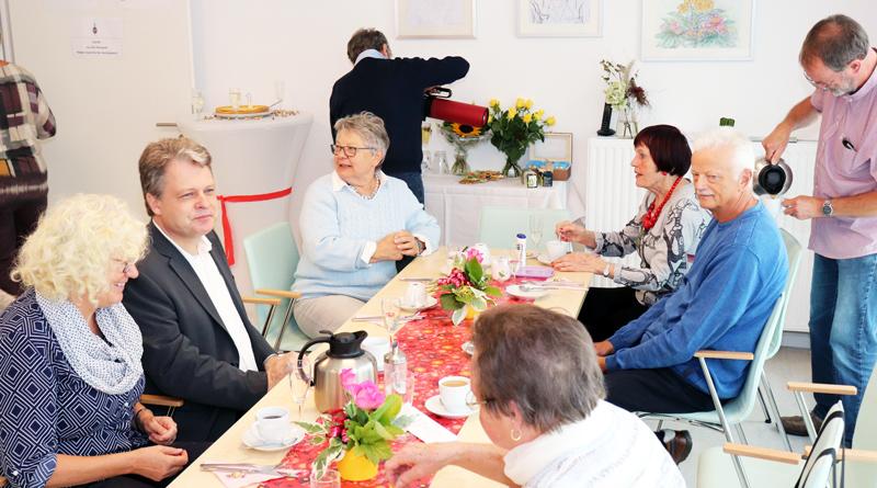 Passend zum Weltseniorentag feierte die Seniorenbegegnungsstätte in Stahnsdorf am 1. Oktober ihren ersten Geburtstag.