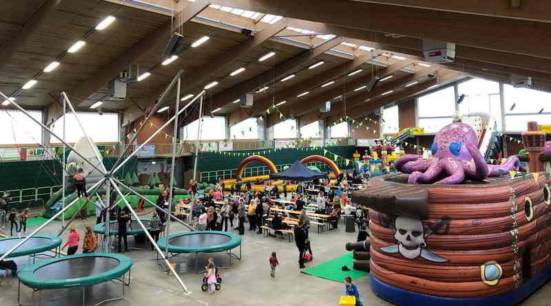 Während der Ferien zwischen den Jahren verwandelt sich die Brandenburghalle im Erlebnispark Paaren wieder in eine Indoor-Spielewelt für die ganze Familie. Vom 27. bis 30.12.2019 und vom 2. bis 5. Januar 2020 jeweils von 10 bis 17 Uhr finden dort die Family Fun Days statt.