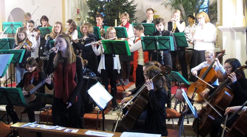 Große und kleine Musiker der Kreismusikschule Potsdam-Mittelmark spielen am 18. Januar um 17:00 Uhr in der Katholischen Kirche Maria Meeresstern in der Uferstraße 9 in Werder (Havel) zum Neujahrskonzert des dortigen Rotary Club Werder.