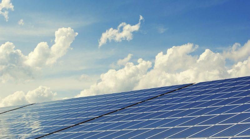 Unternehmer: Strom aus erneuerbaren Energien muss günstiger werden